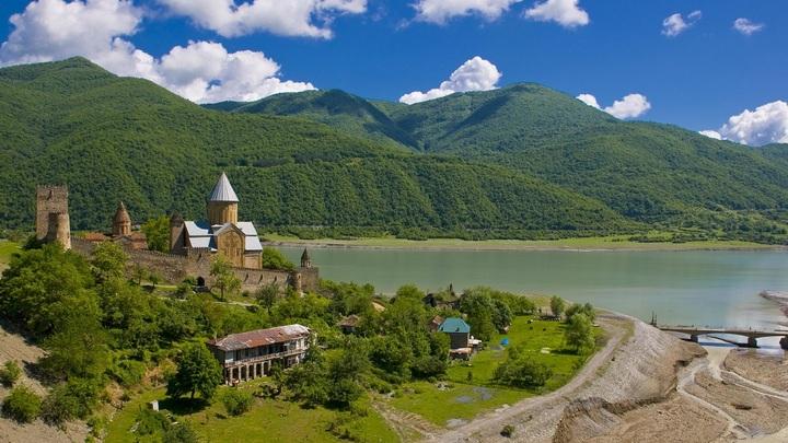 Свободный мир: Грузинский митрополит призвал власти скорее поздравить Украину с автокефалией