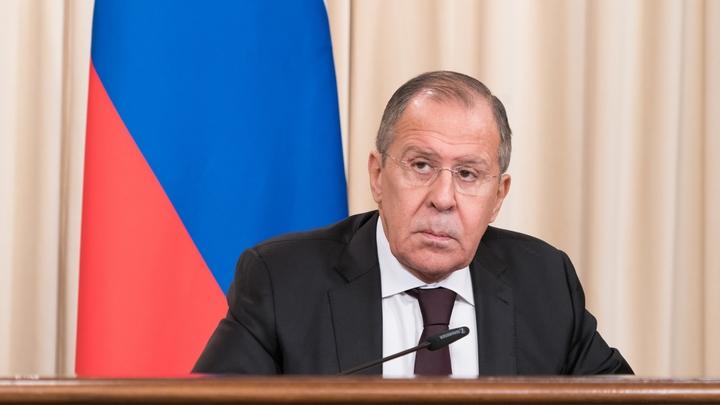 Сергей Лавров «поздоровался» смикрофоном вАлжире