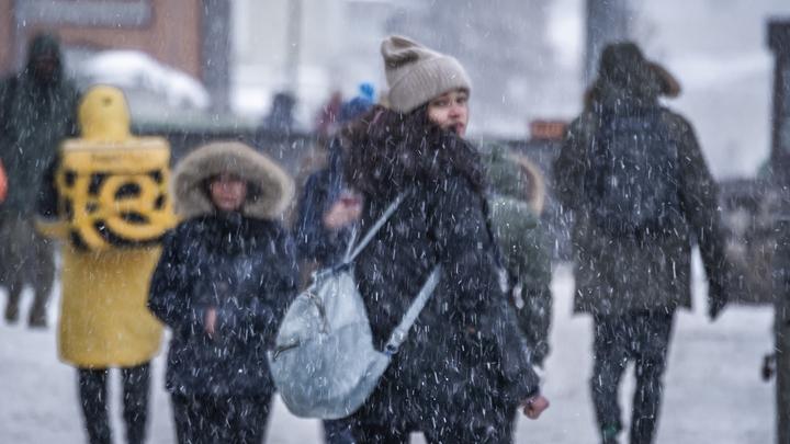 Снегопад в Москве будет идти три дня и три ночи: Столицу пугают снежным апокалипсисом