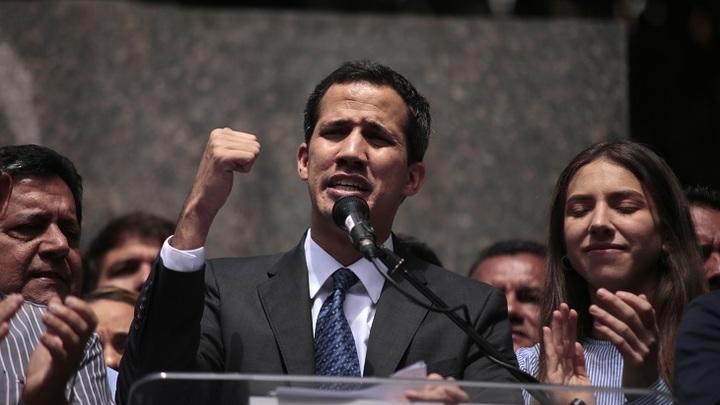 Посол Венесуэлы обличил во лжи ссылающихся на конституцию сторонников Гуайдо