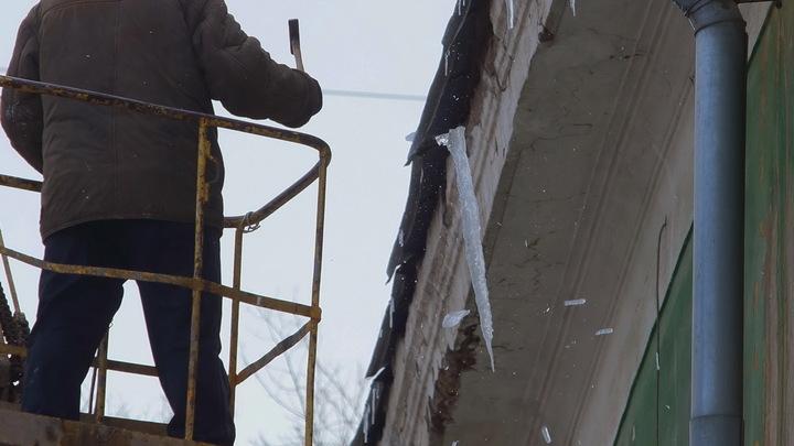 Дом XIX века обрушился в Саратове из-за снега