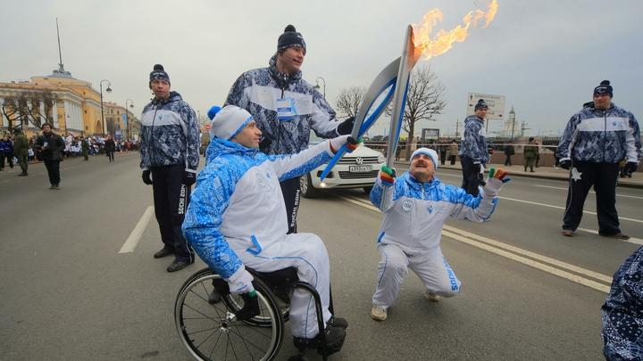 Российским паралимпийцам разрешили выступать под флагом России