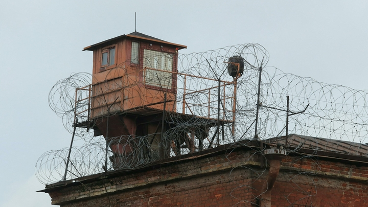 Драка за ужином: В Самаре между заключенными произошел конфликт