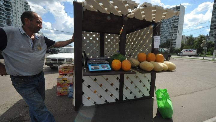 Минпромторг планирует создать 250 тысяч рабочих мест за счет размещения на улицах городов торговых палаток и ларьков