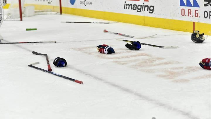 Два хоккейных тренера при детях устроили разборки с мордобоем в Санкт-Петербурге