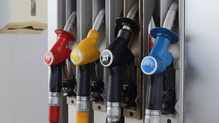Бензин в феврале потерял пятую часть своей стоимости - Росстат
