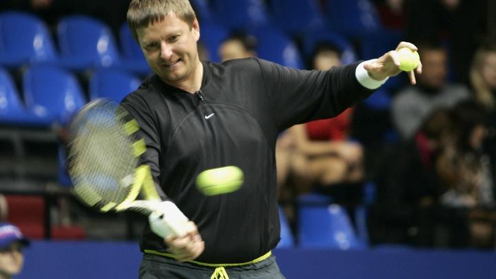 Безграмотными, ленивыми папуасами назвал теннисист Кафельников жителей России