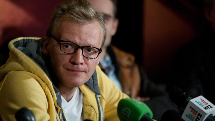 Он же не политик: Дюжев оправдал заявления Серебрякова его актерской сущностью