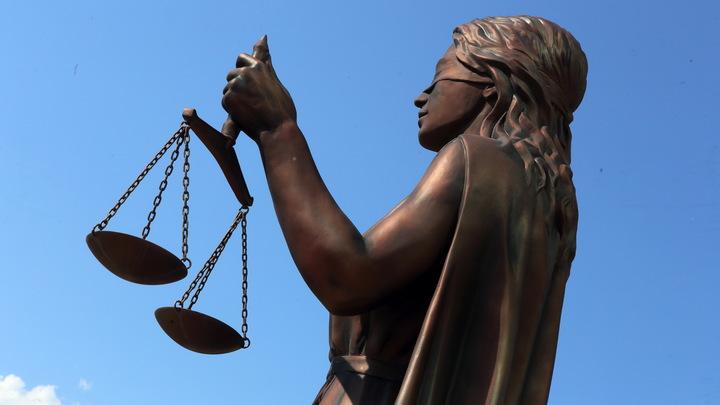 Юриста одного из взяточников по делу экс-губернатора Сахалина Хорошавина лишили статуса адвоката