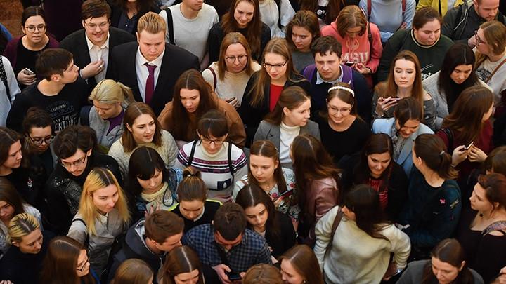 Не получилось в Гонконге, получится в России: СМИ рассказали, что власти собираются узаконить высшее самообразование