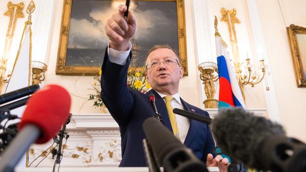 Скверна недели: Офицер ЦРУ провалил свержение Путина, Яковенко - шпион, а Порошенко отказался вставать на колени