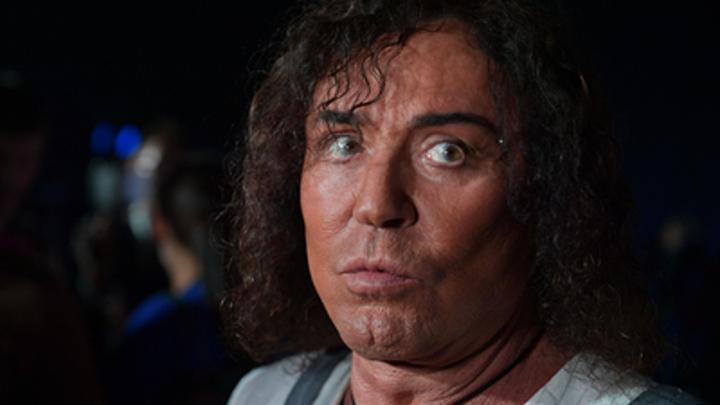Не толкнул, а спас девочку: Пресс-секретарь певца Леонтьева оправдала грубость охранника на концерте - видео