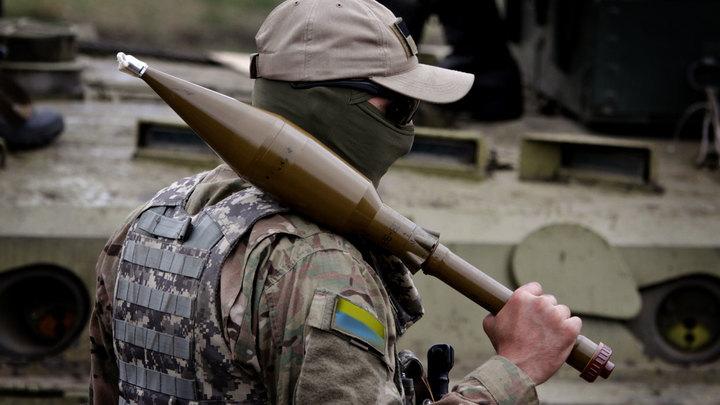 Обезьяна с ракетой, или кто воюет против Донбасса