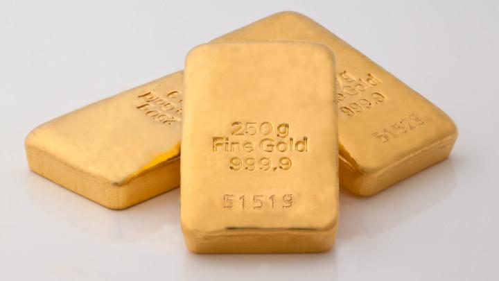 Эксперты рассказали о рекордных золотовалютных резервах России и сокращении доли доллара
