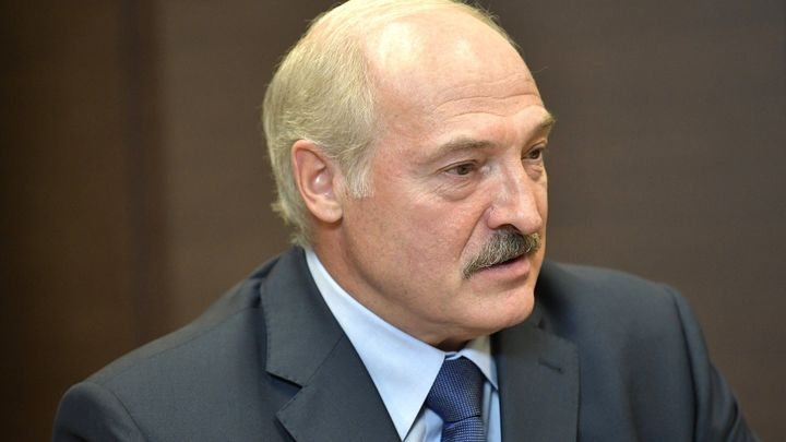 Лукашенко заявил, что Белоруссия живет в очень опасном месте - в географическом центре Европы