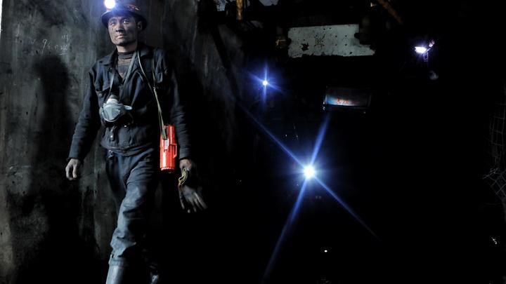 Авария на шахте в ЮАР заблокировала под землёй около 1,8 тысячи горняков - Bloomberg