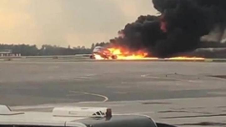 Выживший пассажир SSJ-100: Люди с чемоданами - это бизнес-класс, давки не было