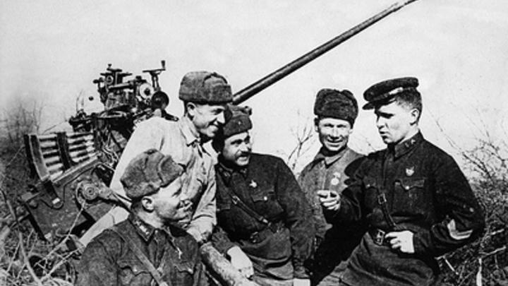 Нацистские происки: Эксперт объяснил, в угоду кому либералы искажают историю к 9 Мая
