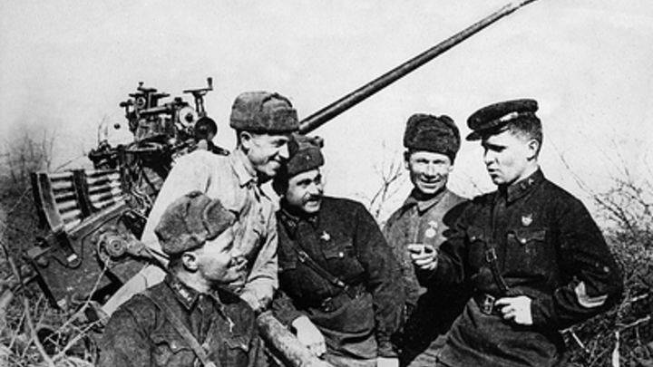 В Русской Православной Церкви раскритиковали попытку возрождения культа Сталина: Победа - это заслуга всего народа