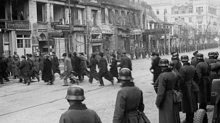 Из еврейского гетто в депортацию крымских татар: Украинских дипломатов поймали на откровенном вранье