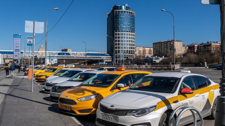 Водителям позволят поспать: Депутаты хотят следить за режимом дня такси при помощи ГЛОНАСС