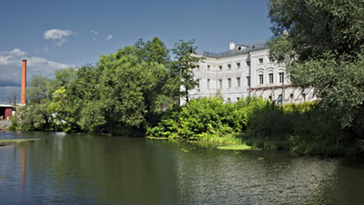 Пушкинское место атаковали экскаваторами: В Калужском музее-заповеднике власти уничтожили уникальный пруд?