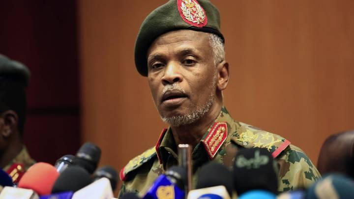 Если выгодно, будут вмешиваться, если невыгодно...: Эксперт на примере Судана показал истинное лицо Москвы и Запада