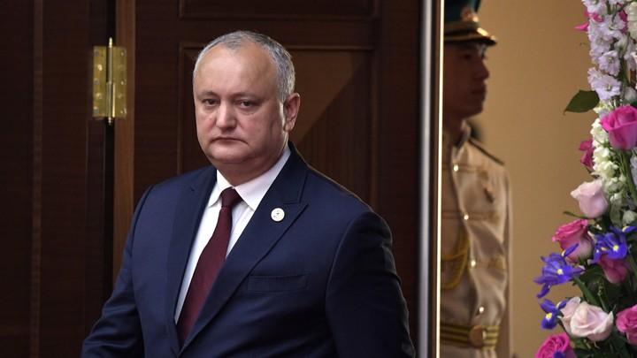 Подписан с нарушением процедуры: Додон собирается аннулировать указ о роспуске парламента Молдавии