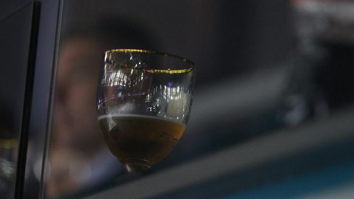 Минэкономразвития и ФАС обеспокоились розницей: Инициативу отселить алкоголь не поддержали