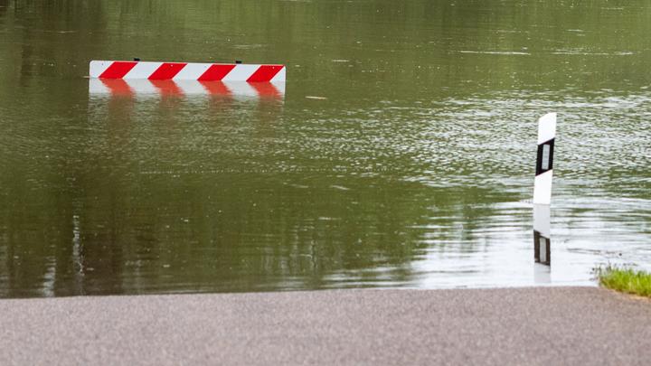 Смытые мосты, уплывшие дома:  В Иркутской области паводок затопил целые деревни и перекрыл трассу Сибирь