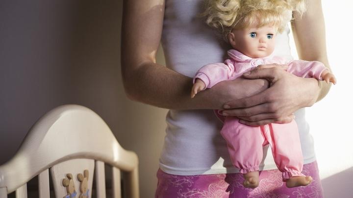 Учитель перепутала кукл и показала фильм ужасов. Девочка не могла уснуть - отец