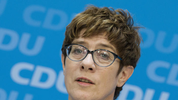 Преемница Меркель или глава Минздрава? Немецкие СМИ гадают, останется ли пост министра обороны женским