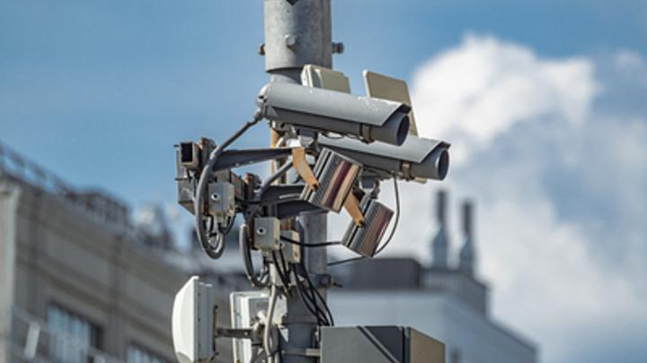 ГИБДД рассекретила свои камеры на дорогах: Где ждать фотоловушки для водителя, можно узнать в онлайн-режиме