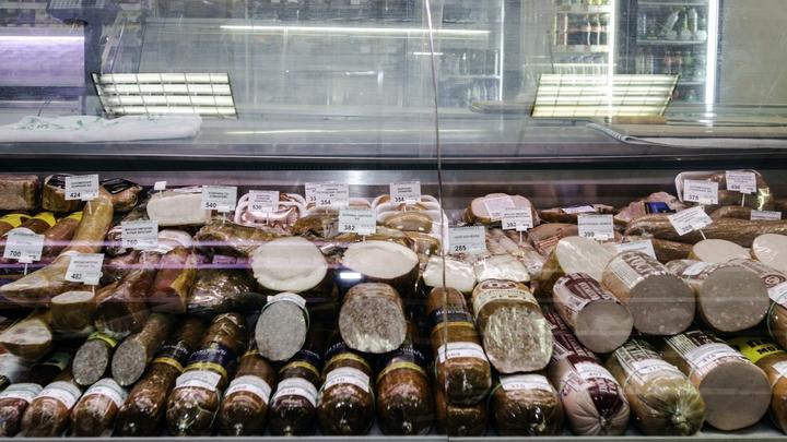 Мужчины предпочитают сыр и колбасу: Стали известны лидеры краж в продуктовых магазинах