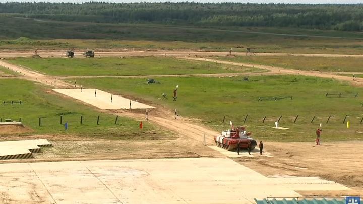Горящая изба - только разминка. Как русские танкистки поразили мир на Армейских играх Шойгу - видео