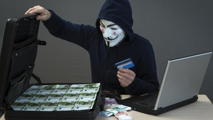 Деньги всех клиентов банков России под ударом: Хакер о новом виде мошенничества
