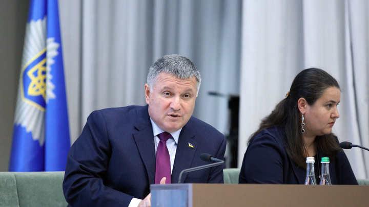 Зеленский отдает старые долги: Политолог о том, почему Арсен Аваков сохранил свой пост