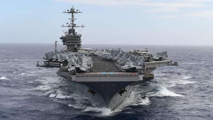 Они медленно превращаются в гадких утят: Что на самом деле убивает американские авианосцы