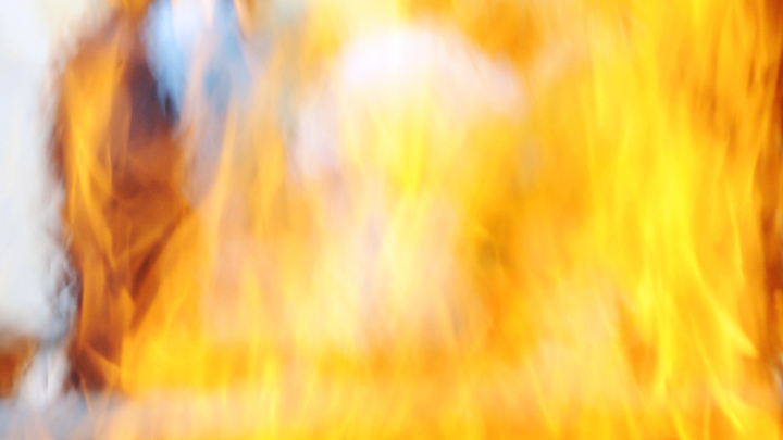 Исцелившаяся за мгновения до кремации женщина сгорела на руках у врачей