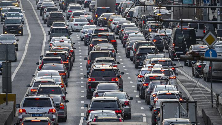 Ждать ли скачка цен на российские автомобили? Мантуров возразил экспертам