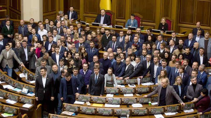 Мы провозглашаем: Нет капитуляции!: Перед парижской встречей по Донбассу оппозиция выдвинула Зеленскому ультиматум