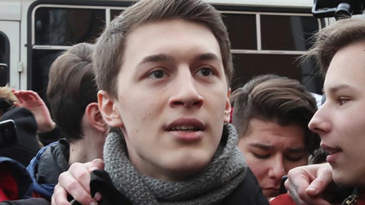 Зачем из Егора Жукова лепят нового Навального