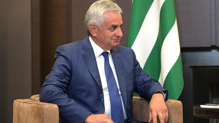 Ради сохранения стабильности в стране: Президент Абхазии подал в отставку