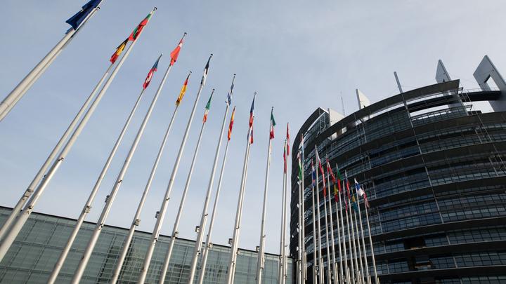 Россия переписывает историю Победы: Как в Европарламенте подхватили польскую простуду