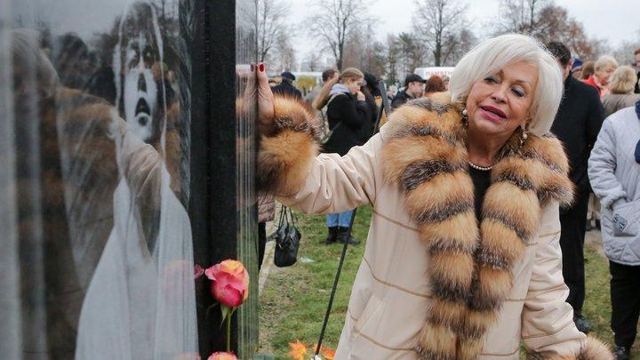 Руки не подала: Кричавшая гип-гип ура вдова Караченцова едва не прокляла Mеньшову за вопрос
