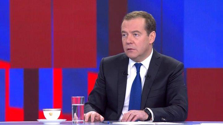 Вы ещё не поняли - это преемник: Появление Медведева на Первом вызвало смятение у людей