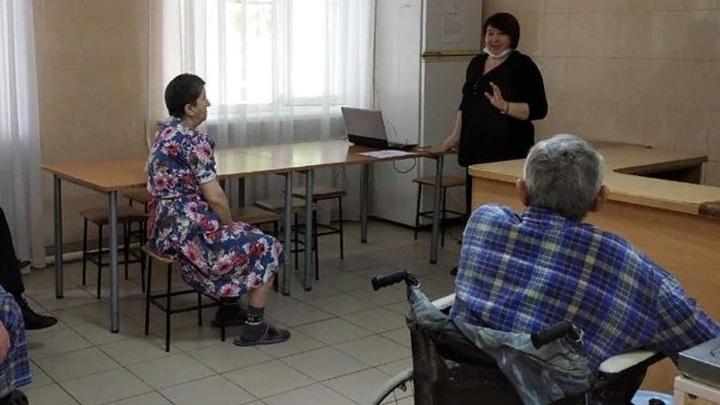 В условиях особого режима: Социнтернаты и колония в Ростовской области останутся на карантине