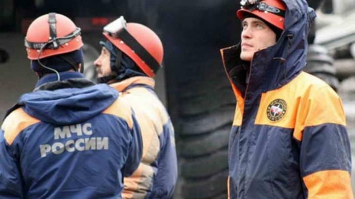 Спасатели вытащили новосибирца из мусоропровода