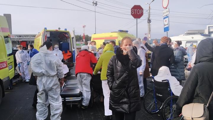 Из больницы в Челябинске, где прогремел взрыв, вывозят пациентов с ковидом