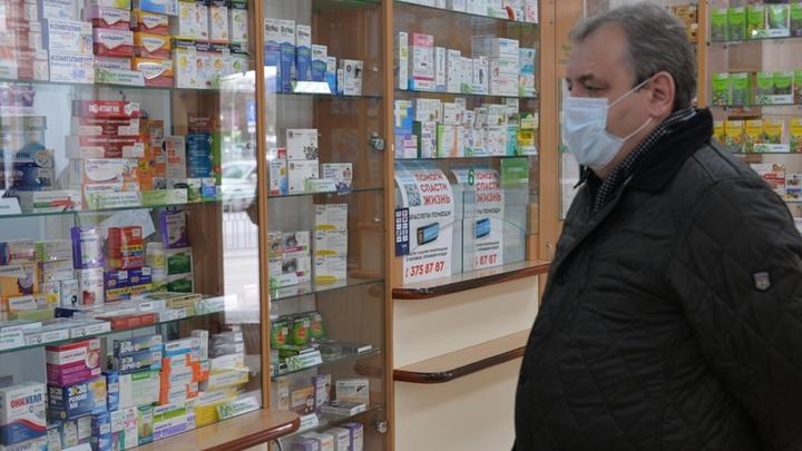 В Новосибирск из Владивостока привезли 6 тысяч упаковок антибиотиков